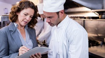 How to be a Leader in a Restaurant – 7 Characteristics You Need to Have