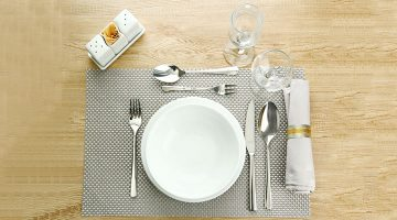 Types of table setup in restaurant
