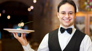 10 Must Have Qualities to be a Great Waiter